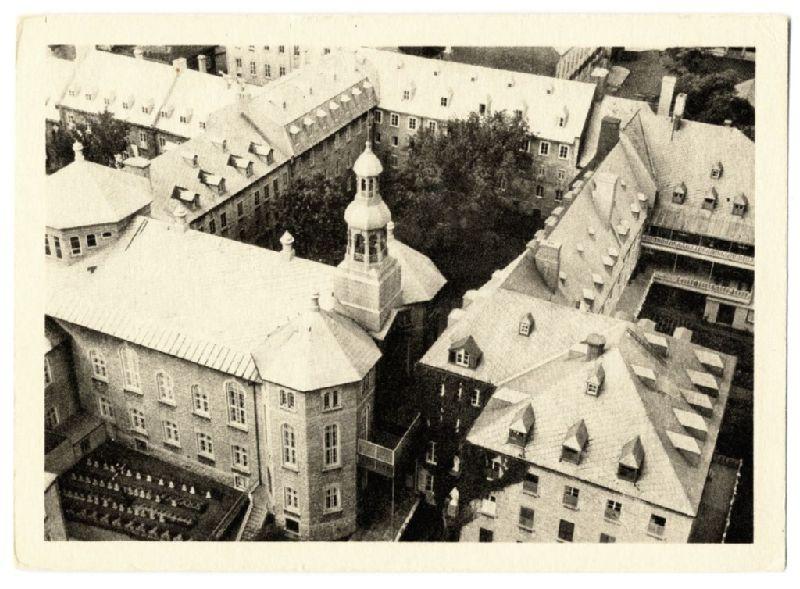 Le vieux monastère des dames ursulines de québec. lensemble des